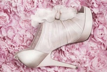 SHOES!!! / I LOVE shoes! / by Chih-chia Chen