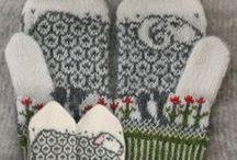KnittingLovies / by Shannon Mavica