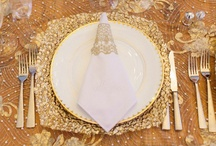 gold wedding / Gorgeous GOLD wedding ideas! Gold bridesmaid dresses, wedding cakes, and other sparkling goodness for your gold color scheme!