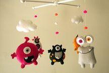 Quarto de monstros / Decoração de quarto de monstros, com berço, comoda, detalhes, brinquedos...