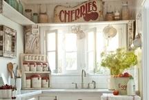 Kitchens I Love / by Renna Hanlon