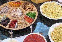 Party food / Yummiez! / by Sara Marshall
