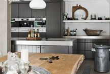 Home / Interior - Kitchen / More inspiration on Ringthebelle >> http://rngtbl.com/2ohCLpd  #home #interior #design #inspiration #deco #decoration #details #kitchen #chair #cook #bar #cookingplace