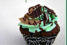 holidays / cupcake tuesday / Special cupcakes from Cupcake Tuesday Linky Party / by Hoosier Homemade