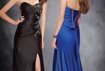 OI Slit Prom Dress / If you're looking for a prom dress with a little personality, you're at the right place. OuterInner offers you a lovely collection of slit prom dresses that you may have a chance to look stunning in the prom!!
