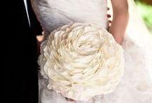 Beautiful Wedding Ideas / I may be done wedding planning, but that doesn't mean I can't appreciate beautiful wedding ideas!  :) / by Gabriela Sofia
