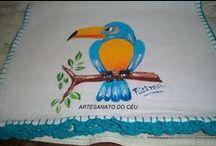 Panos de Prato Pintados com Crochê / Atelier Espaço Artesanato do Céu c_avignon@hotmail.com
