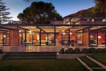 Modernish Modernist / Mid century modern inspired architecture that does not look out of date