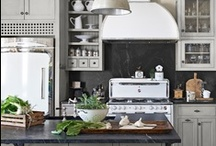 Home- Kitchen Inspiration / by Allison Bell