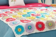 crochet: afghans, throws & blankets/ free  / by Amy Woods
