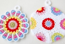 crochet: potholders/ free / by Amy Woods