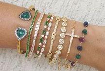 beaded bracelet / by Maria Cristina Henao