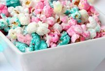 Popcorn Recipes / Popcorn recipes, sweet popcorn and savory popcorn. White Chocolate Popcorn and Caramel Corn
