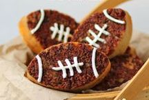 Football Themed Food (Super Bowl Food) / Super bowl food, football shaped food, Super bowl recipes, Super bowl snacks, Super bowl appetizers, appetizers, snacks, football food / by Hungry Happenings - holiday recipes and party food