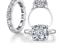 Designer:  Single Stone / Handcrafted in California, Single Stone's vintage-inspired rings and wedding bands include actual antique center diamonds, surrounded by rare, older cuts of surrounding diamonds and gems.