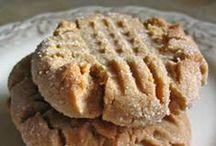 Cookies, Cupcakes & Muffins / by Rhonda Eskew
