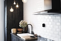 Kitchens / by Carla De Oliveira