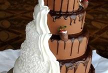 AMAZING CAKES / by Stacie Laudermilk