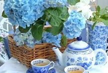 Tea in the Garden / Artist, photographer, gardener, blogger and  tea lover. Inviting you into my garden to sit and relax with a cup of tea for a few minutes while I share with you the inspirations for my art as well as looking for inspiration in other gardens.