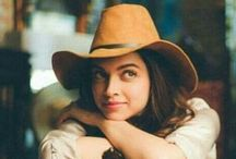 BOLLYWOOD ACTRESS  / All the lovely ladies of bollywood. ......
