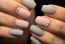 • Nails love / Όμορφα νυχάκια