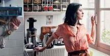 """{food & women's empowerment} / Les femmes et la cuisine, vaste sujet ! Les femmes chefs sont de plus en plus sur le devant de la scène et se font remarquer davantage sur le petit écran. A côté, de nombreuses entrepreneuses se lancent dans l'aventure de la restauration comme témoigne le cas de Valentine du Réfectoire ou Laura Vidal du Paris Pop-up Restaurant. Créatives, exigeantes, hard-workeuses et sensibles, les """"cheffes"""" ont fini par conquérir le monde de la gastronomie, de la cuisine et de la restauration."""