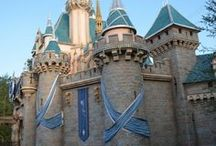 Disneyland / The ultimate planning guide for Disneyland vacations in Southern California. Tips, secrets, and hacks for travelers on a budget as well as those looking to splurge. The best food and rides, plus tips for families with kids as well as for adults.