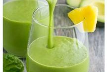 Smoothies / Delicious and cool smoothies for any time of the day! I pin smoothies for losing weight, smoothies for kids and smoothies healthy diet recipes!  #smoothies