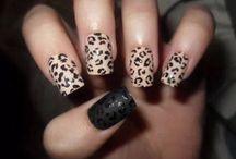 Cute nails / by Hannah Hollander