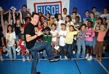 With You All the Way! USO Tour / In partnership with the USO (United Service Organizations), co-founder Trevor Romain and The Comfort Crew work directly with military children on and off bases all over the world. Military kids and their families are offered a wide variety of comfort kits and educational resources that are customized to meet their specific needs and let them know – we are With You All the Way!