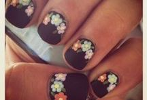 nails nails nails / by Lennon Fuller