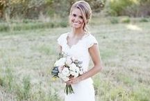 tying the knot / Wishful thinking, but I adore weddings.. and wedding dresses :) / by Kim Houten