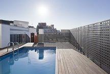 Confortel Auditori - Barcelona / La proximidad de Confortel Auditori a los lugares más emblemáticos de Barcelona como la Sagrada Familia, el Parque de la Cuitadella, el zoológico o la Plaza de Toros Monumental, le convierten en la mejor opción para disfrutar de la ciudad.  / por Confortel Hoteles