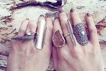 Jewelry: Rings / Ring, ring! Hello? Why yes, you can adorn my finger with sparkles and shine.  / by Star Willow