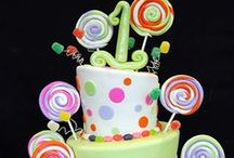 Delicious Cakes / #Cake, #Dessert, #Food, #Birthday, #shower, #wedding / by Emily Vandall
