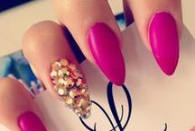 Nails! / by Molly Maleitzke
