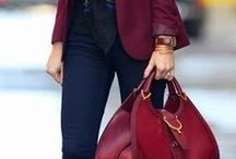 Fashion & Beauty: Herbsttrend Rot / Rot ist DIE Farbe im Herbst 2017. Hier findet ihr Make-ups, Accessoires und Mode rund um die Trendfarbe.