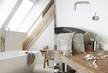 INTERIOR - Bathroom - Badkamer - Pure & Original / Pure & Original Lime Paint or Chalk Paint in the bathroom. Protected with our Dead Flat Eco Sealer without shine.  Kalkverf en krijtverf in de badkamer, beschermd met de matte Dead Flat Eco Sealer.