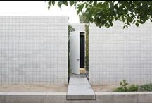Haus / Minimal homes with clean lines & spartan facades