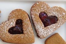Valentine's Day Sweets, Treats and Eats / Everything you need for a Valentine's Day full of loving