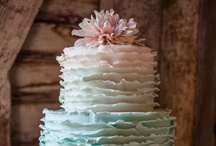 cool CAKES / by Tiffany Webb