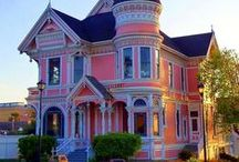 Victorian Homes & Interior Decor / Home decorating pins for a variety of styles, from Victorian home inspiration, rustic farmhouse home decor to preppy home design. Furniture, master bedroom, bathroom, interior design, historical homes, and more