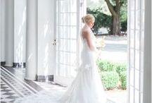 Photoshoot inspiration / Photography, modeling poses, beautiful blog photos, fashion models, portrait photography, style photography, blog photography, photo composition, fashion in nature, wedding photography