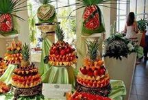Edible Topiaries, Wreathes and Centerpieces / by Cathy Oliver