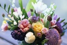 Artfully Arranged Flowers / Flowers are a huge part of my life and arrangements of any kind always catch my eye. But they have to have style! It is an art to arrange flowers well…..
