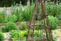 Gardening: Using Willow In The Garden / Willow structures, fencing and ornaments always look wonderful in the garden! They are actually useful...and they age beautifully. Take a look.