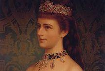 Icons : Sissi / Elisabeth d'Autriche, Romy Schneider... Tout ce qui concerne Sissi. / by Alice Riddle