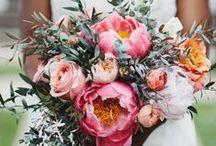 wedding {flowers} / Floral wedding arrangements.  Lovely wedding bouquets.
