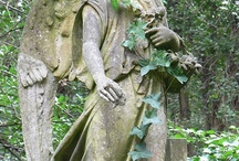 Angels Cemetaries Gardens Statues / historical beauty preserved