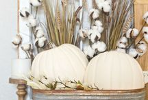 SEASONAL || Fall Decor / Fall home decor inspiration from life & style blogger Pinteresting Plans.